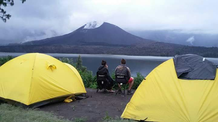 4D-3N Hiking To Lake and Summit Rinjani